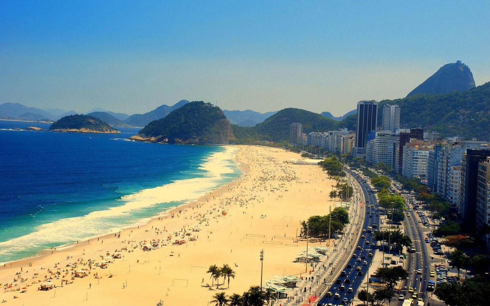 1440535960-copacabana-o-bairro-mais-charmoso-do-rio-de-janei