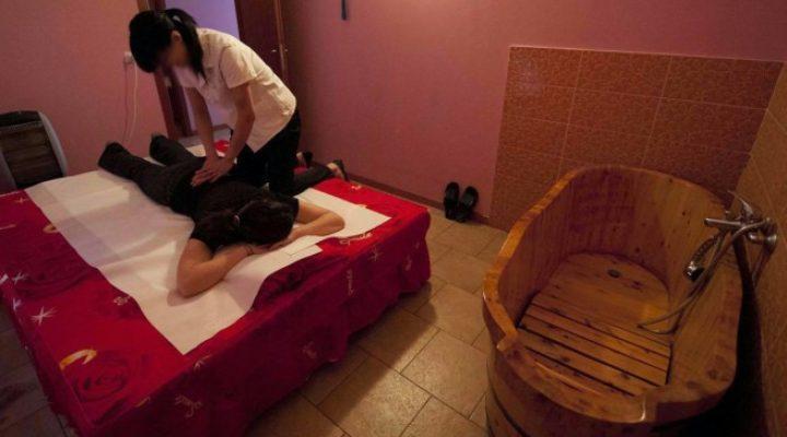 Massaggi Torino: il massaggio con i sacchetti di erbe