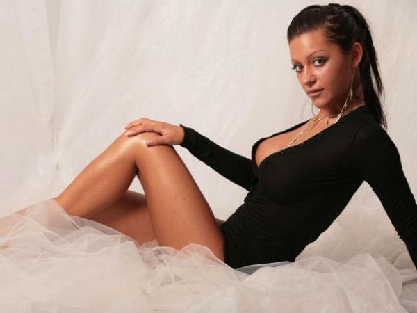 Elena Grimaldi: una pornodiva abbattuta dal web