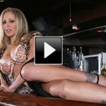 Video porno: milf Julia Ann, la pornostar di origini italiane più hot del web