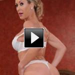 Le milf porno più sexy: Brandi Love