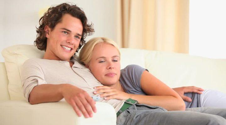 Studio rivela che la pornografia fa bene alla coppia