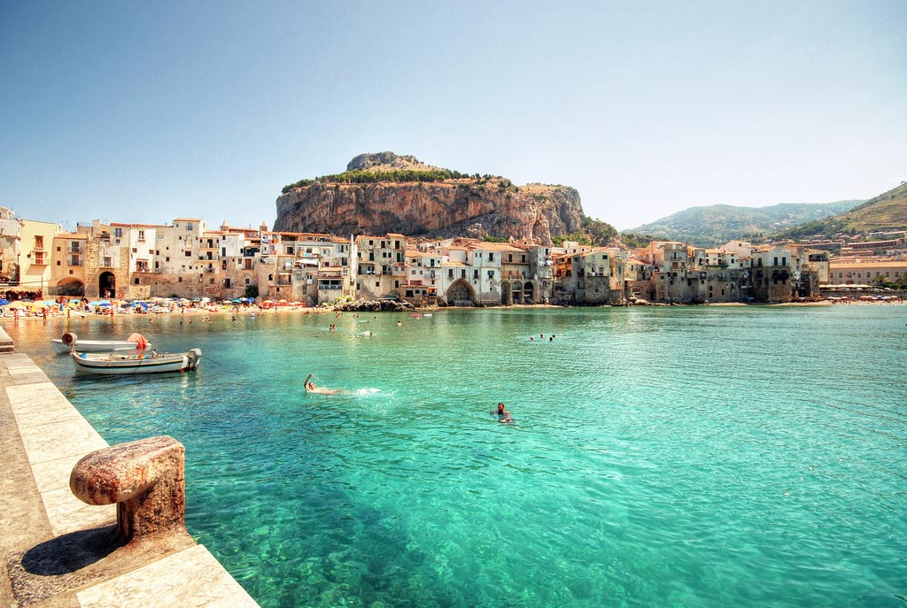 home-holiday-cefalu-sicily-sicilia