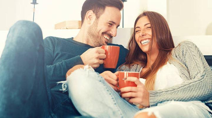 La prima volta che la inviti a casa tua: rischi e accortezze