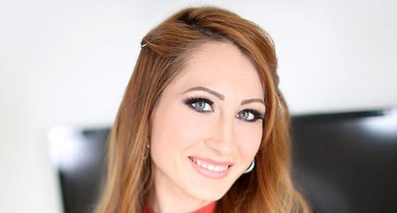 Nina Skye: chi è la giovane insegnante che fa la pornostar