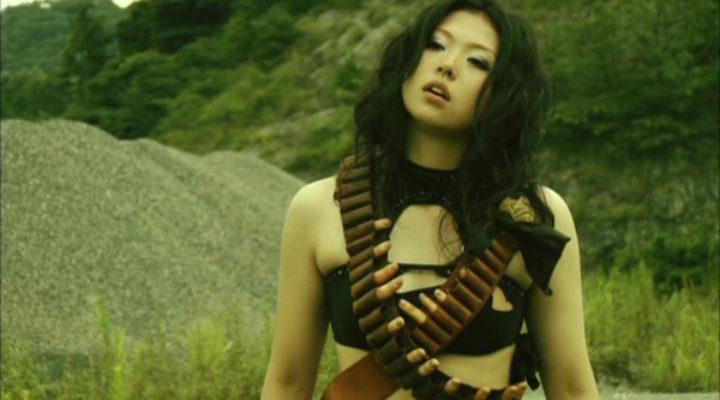 Asami Sugiura: la pornostar giapponese passata ai film splatter, dice la sua sull'industria per adulti