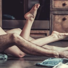 L'Olanda vara l'«amico di sesso»: intimità permessa tra due single