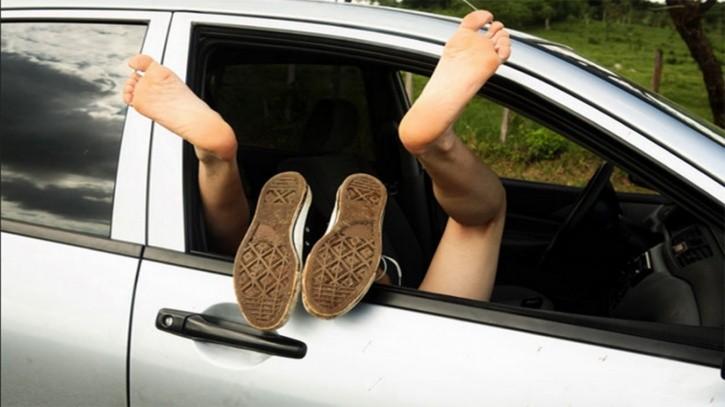 Scopriamo cosa ci spinge a fare sesso in auto