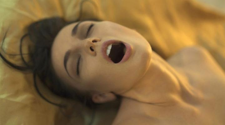 Nero donne godendo sesso