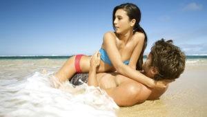 l'estate aumenta la voglia di sesso al mare